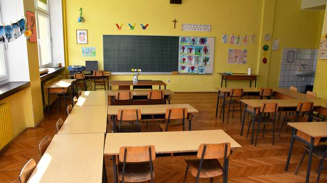 Učiteljica u Sikirevcima ima  koronu, zatvorili cijelu školu