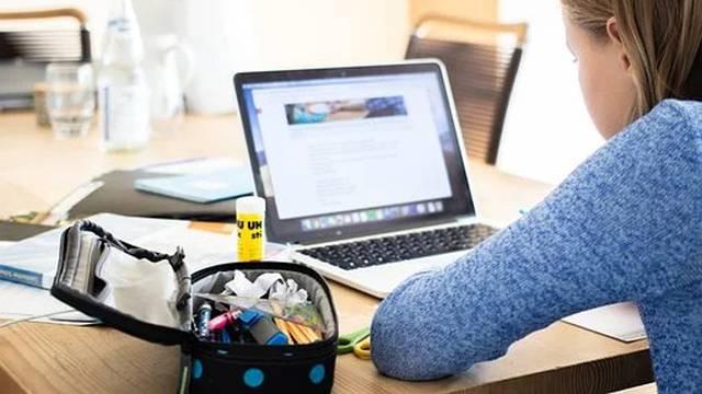 Sve srednje škole u Zagrebu prelaze na online nastavu