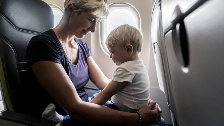 Novozelandska aviokompanija omogućuje spavanje s djecom