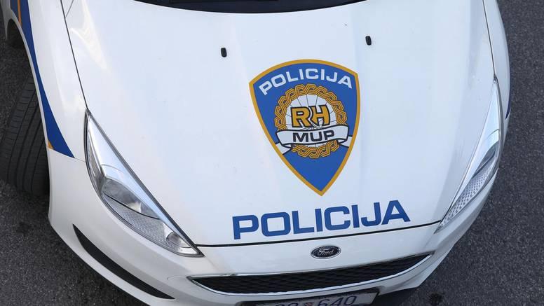 Mrtav pijan i bez dozvole vozio dijete u Slavonskom Brodu, policija mu je oduzela auto