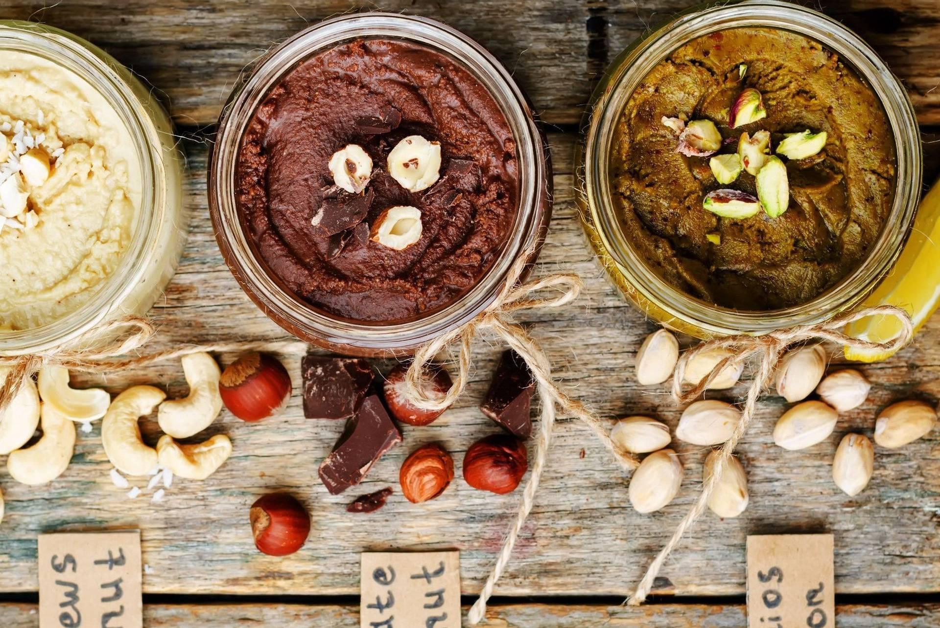 Fini namazi: Maslac od meda  i kikirikija ili oraha, lješnjaka...