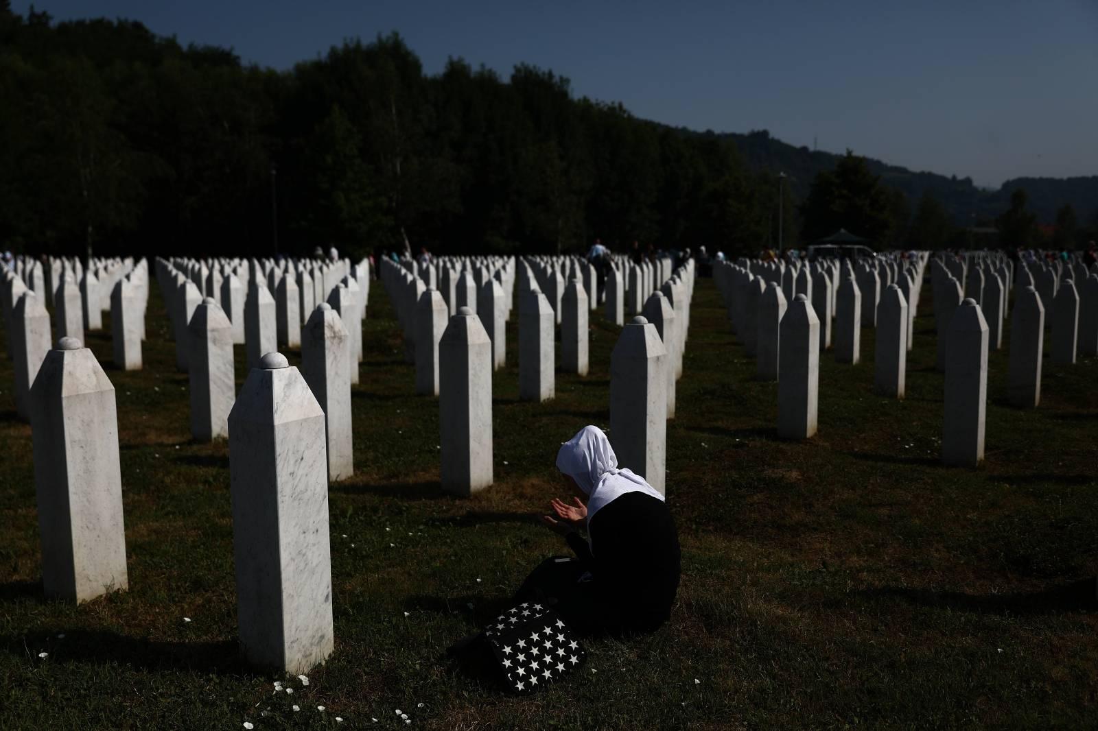 Obitelji ubijenih u Srebrenici prisjećju se svojih najmilijih