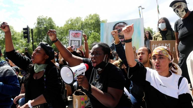Tisuće prosvjednika na ulicama Londona usprkos korona virusu