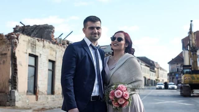 Ljubav Katarine i Marina jača je od svih nepogoda: 'Vratili smo se u Petrinju i tu ćemo živjeti!'