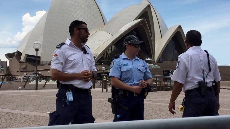 Na ulice Sydneyja izašla vojska: Kontroliraju provođenje mjera