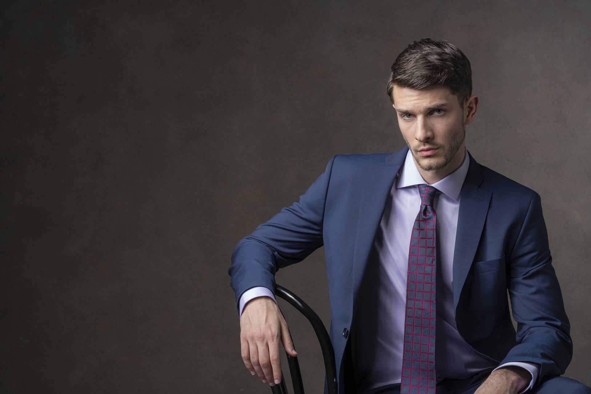 Za savršen dojam bitno je uskladiti košulju i kravatu. Stručnjakinja objašnjava kako