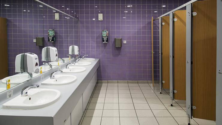 Rasadnik infekcija: Evo kako se možete zaštititi u javnom WC-u