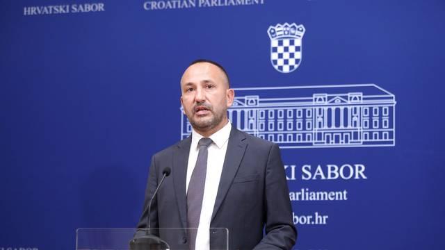 Zagreb: Oporbeni zastupnici o pokretanju pitanja povjerenja ministru Ćoriću