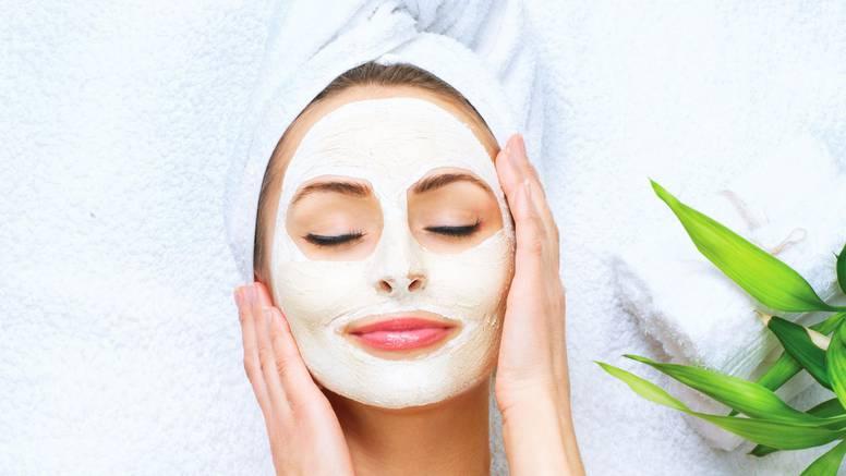 TikTok beauty trendovi koje treba izbjegavati: Od aspirin maske za lice do kockica leda