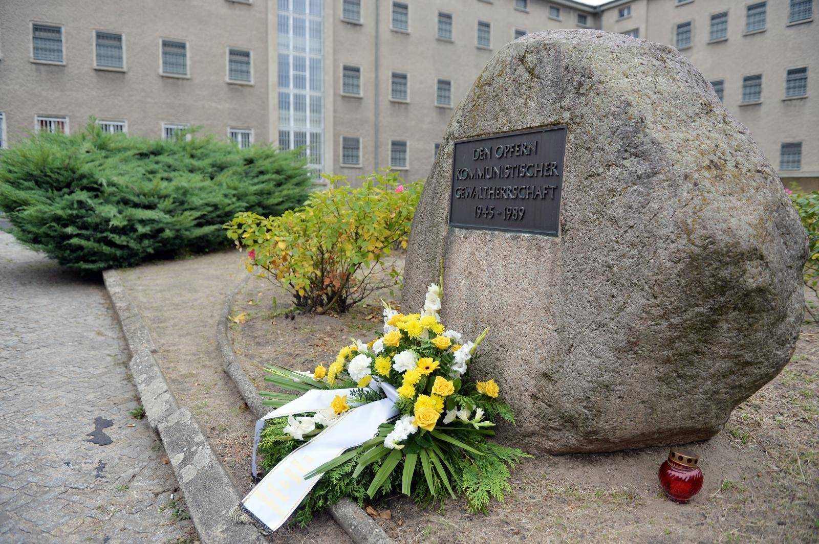 Berlin-Hohenschoenhausen memorial site