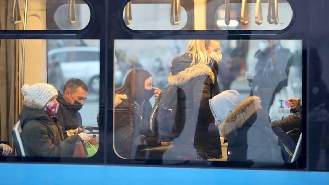 Samo 40 posto tramvaja smije biti puno, evo kako to izgleda...