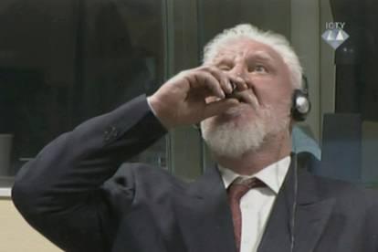 Uzviknuo 'general Praljak nije ratni zločinac' i popio otrov... | 24sata