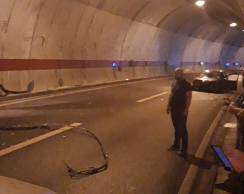 Nesreća u tunelu kod Splita, automobilom se zabio u zid