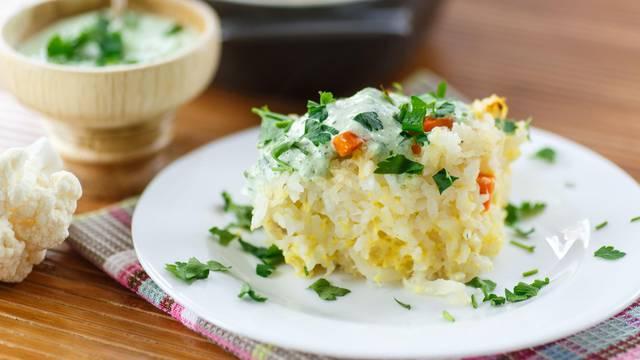Složenac s rižom, cvjetačom i tikvicama - idealan je za ljeto