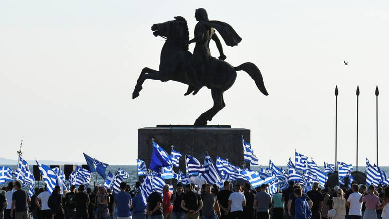 Grčka: Vraćaju se stroge mjere, uvode policijski sat u Solunu