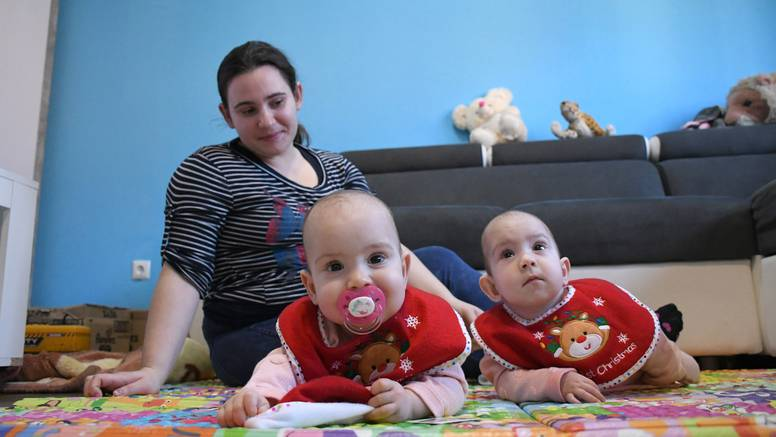 Obitelj 1. hrvatskih sijamskih blizanki: 'One su naša sreća. Ma kakva korona, prošli smo i gore'
