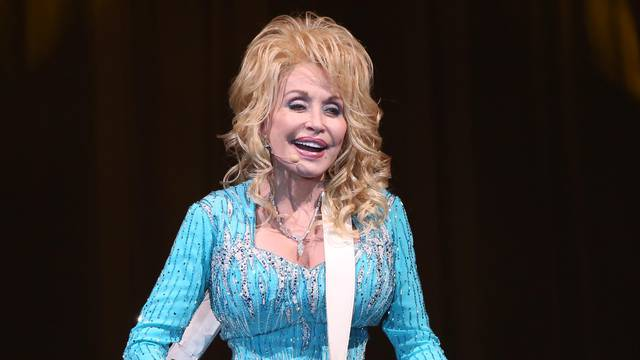 Dolly Parton's Pure and Simple Tour - Moose Jaw