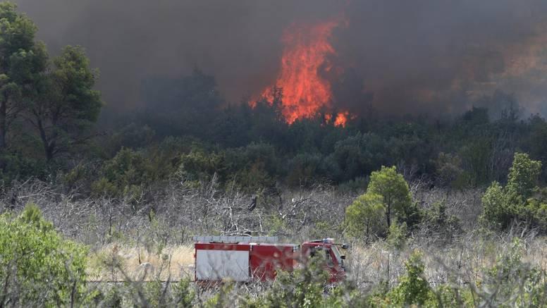 Povećan broj požara otvorenog prostora, i dalje potreban oprez