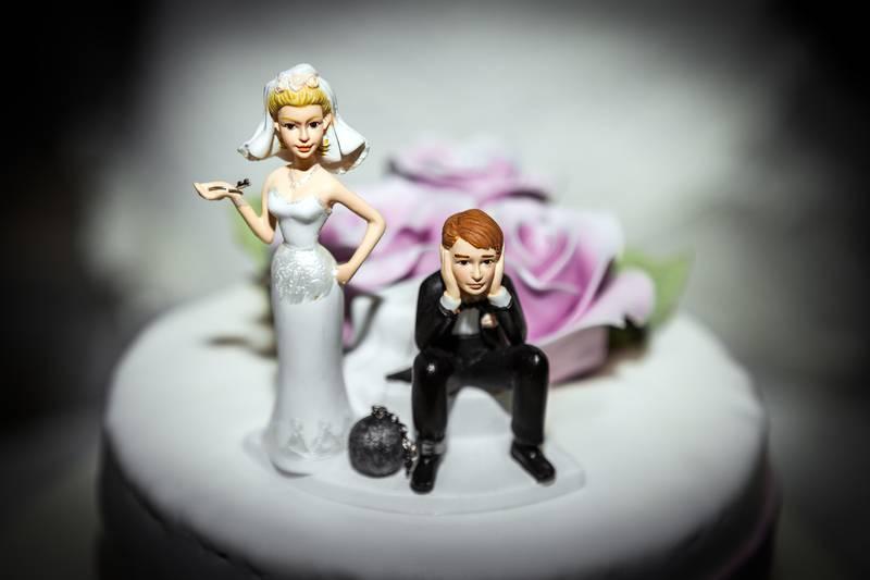 Miniature of Bride and Groom on Wedding cake