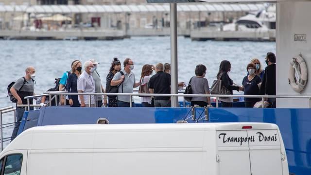 Najveći Trumpov donator, Sheldon Adelson ukrcao se na jahtu Queen Miri