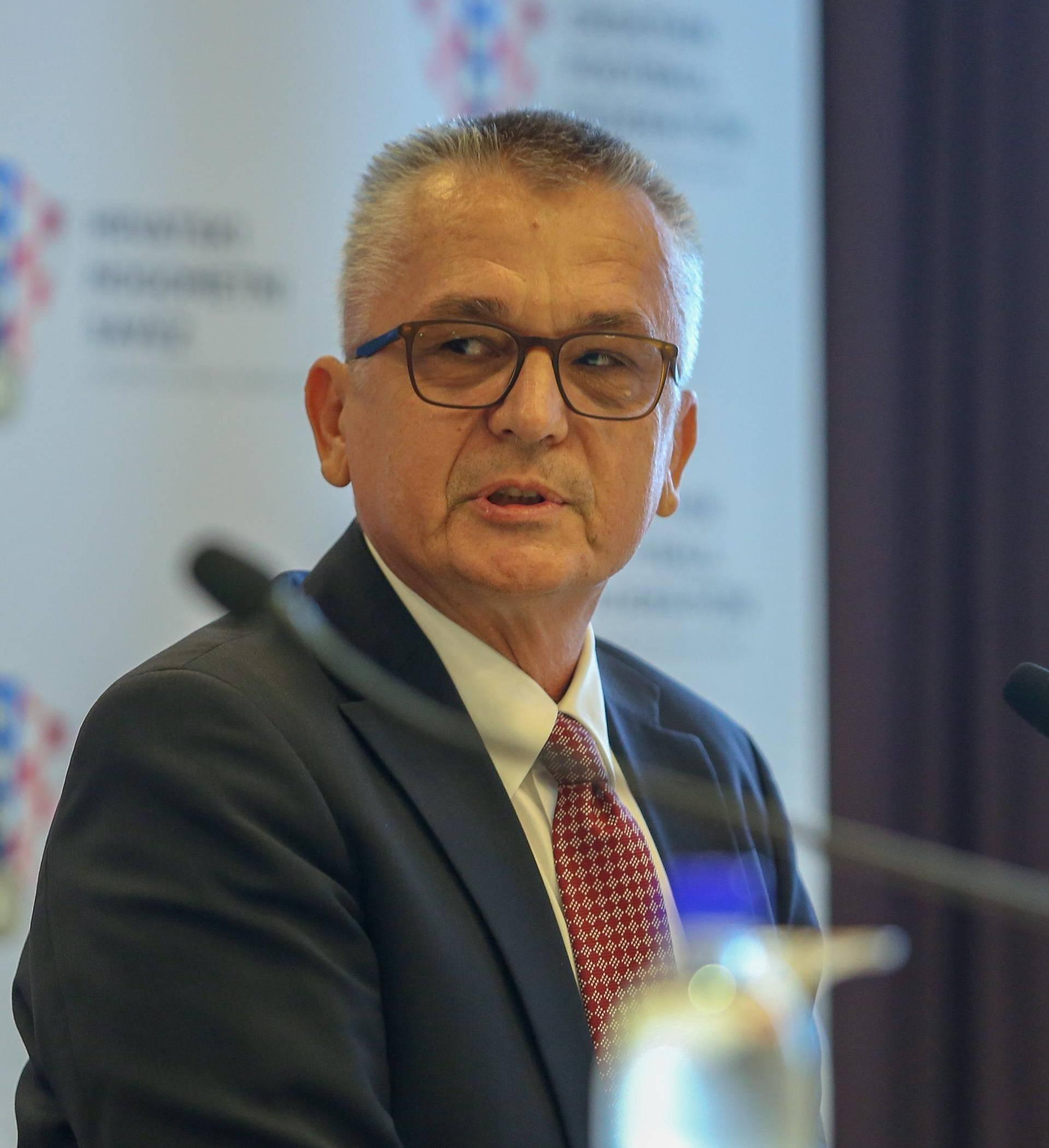 Zagreb: Svečano potpisan i ugovor između HNS-a i Croatia Airlinesa