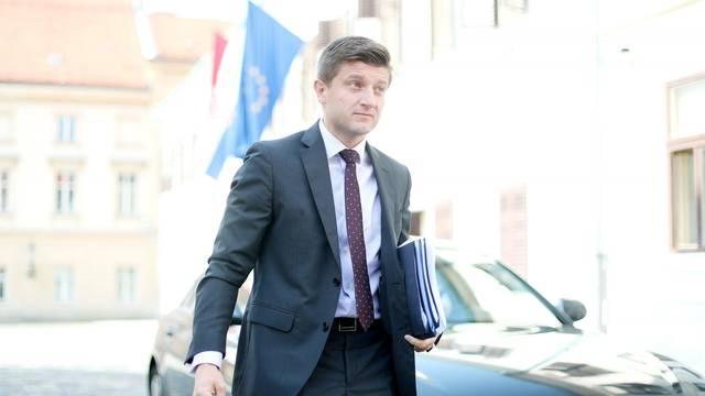 Zagreb: Dolazak ministara na sjednicu užeg kabineta Vlade RH