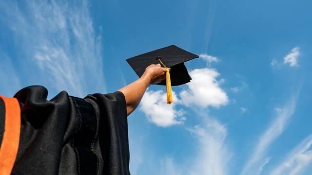 Stekni MBA i sveučilišnu diplomu, osiguraj svoju budućnost!
