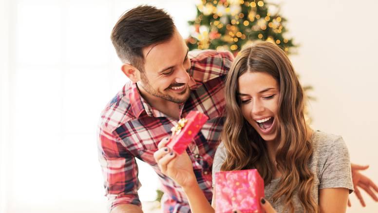 Više ne morate razbijati glavu: Ovo su idealni pokloni za žene!