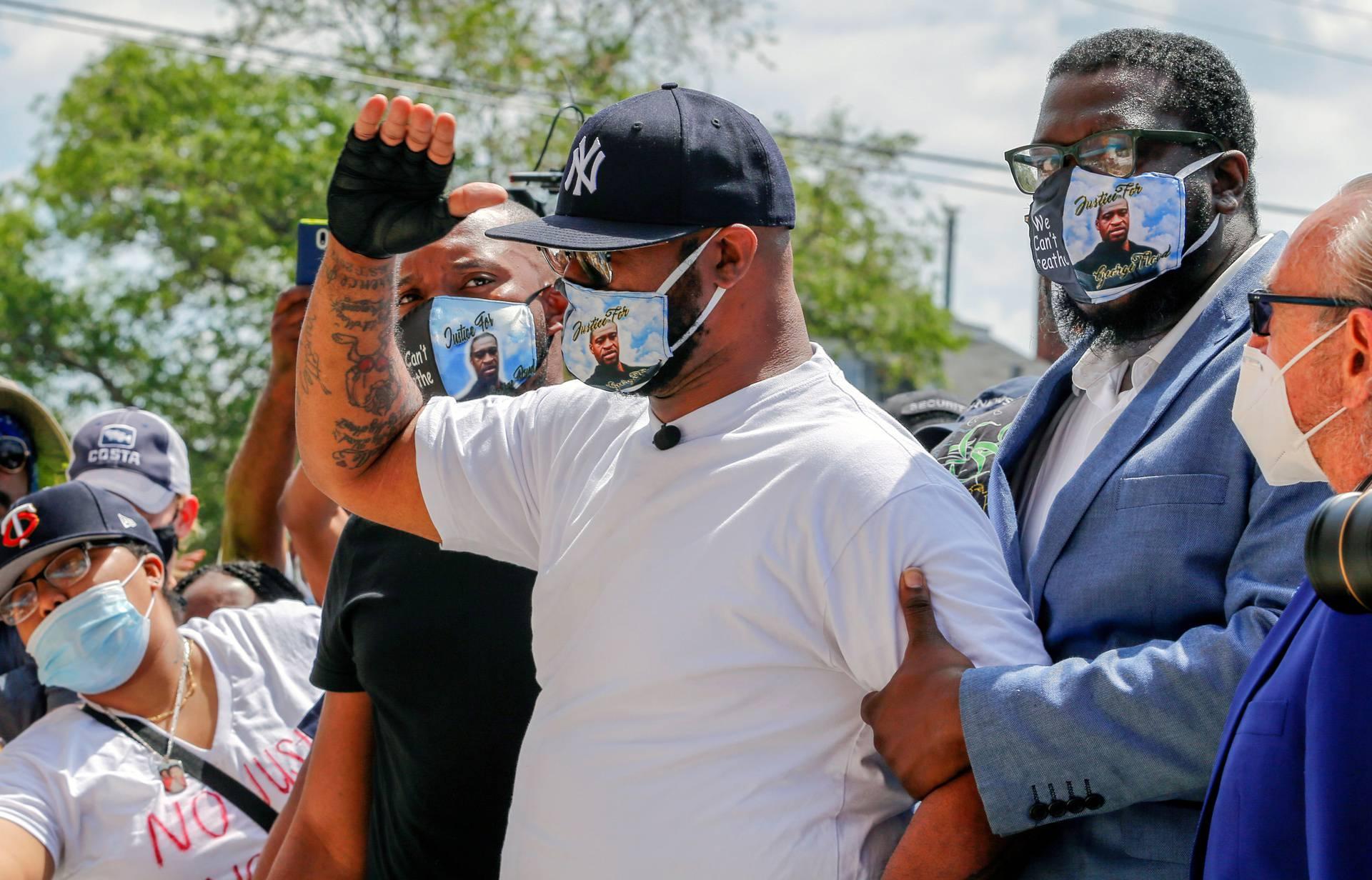 Brat preminulog Floyda poručio prosvjednicima: 'Zašto divljate? Na taj način nećete ništa postići'