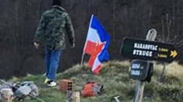Skandal na Velebitu: Slovenci izvjesili zastavu - Jugoslavije