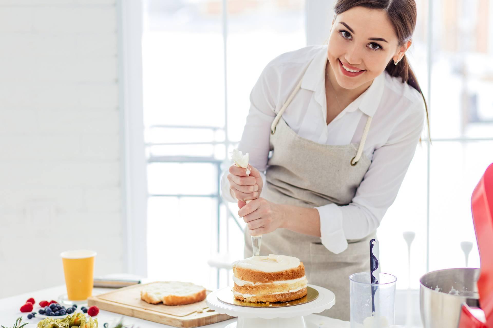 Postanite majstor ukrašavanja kolača slastičarskom vrećicom