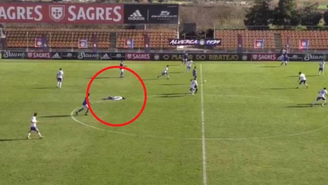 Preminuo je mladi nogometaš koji se srušio usred utakmice!