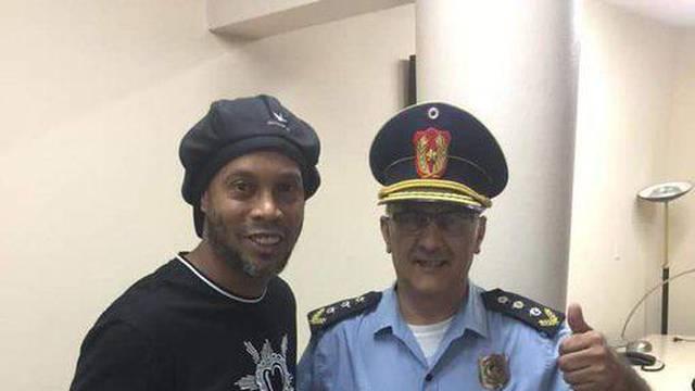 Uhitio Ronaldinha pa se slikao s njim: On je idol, nije zločinac