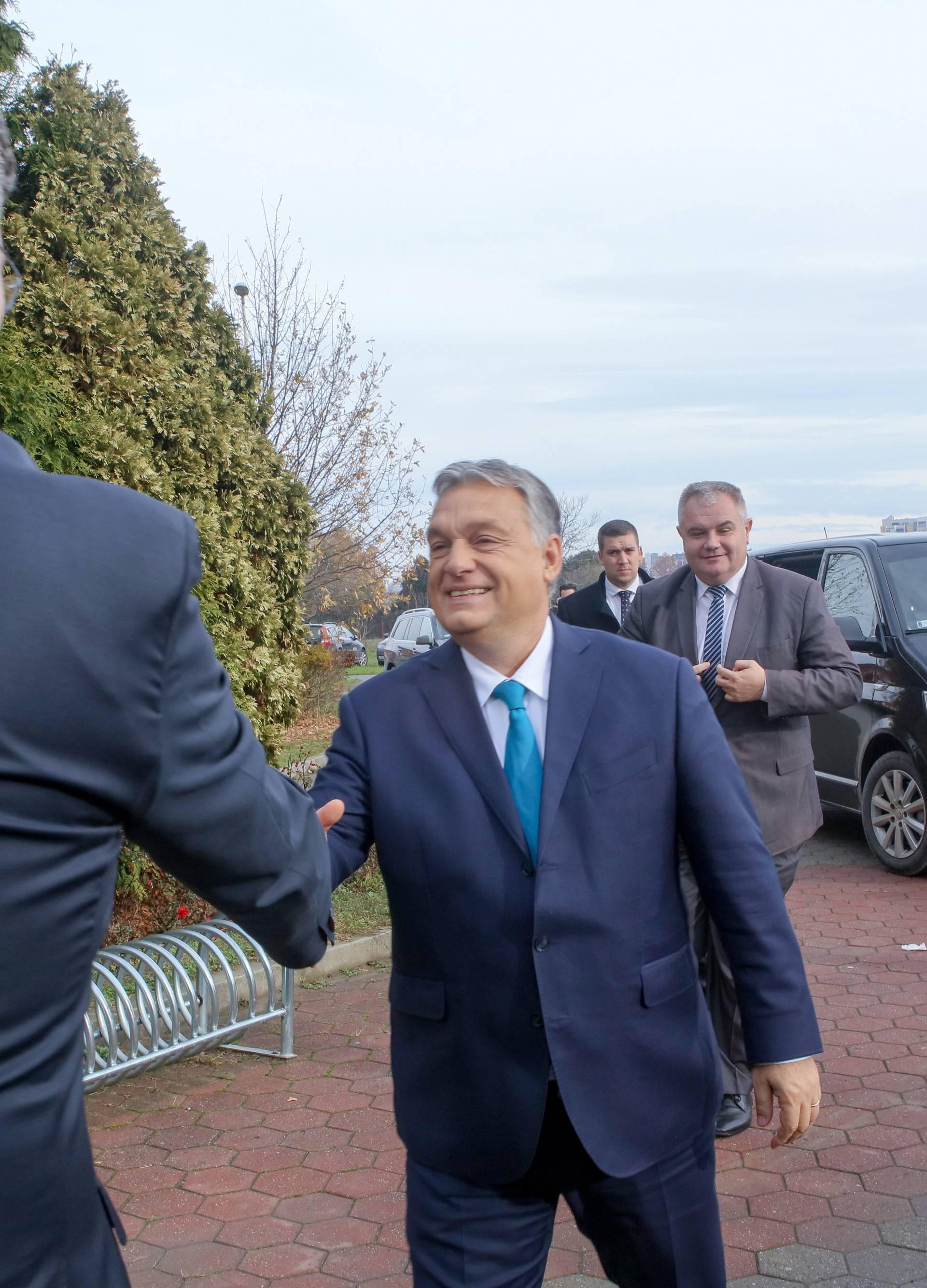 Orban slavi Veliku Mađarsku, a  Plenkovićev HDZ mu drži svijeću