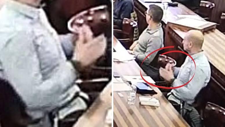 Pogledajte kako šef mladeži HDZ-a prijeti ravnatelju: 'Rekli su da će me baciti s tvrđave'