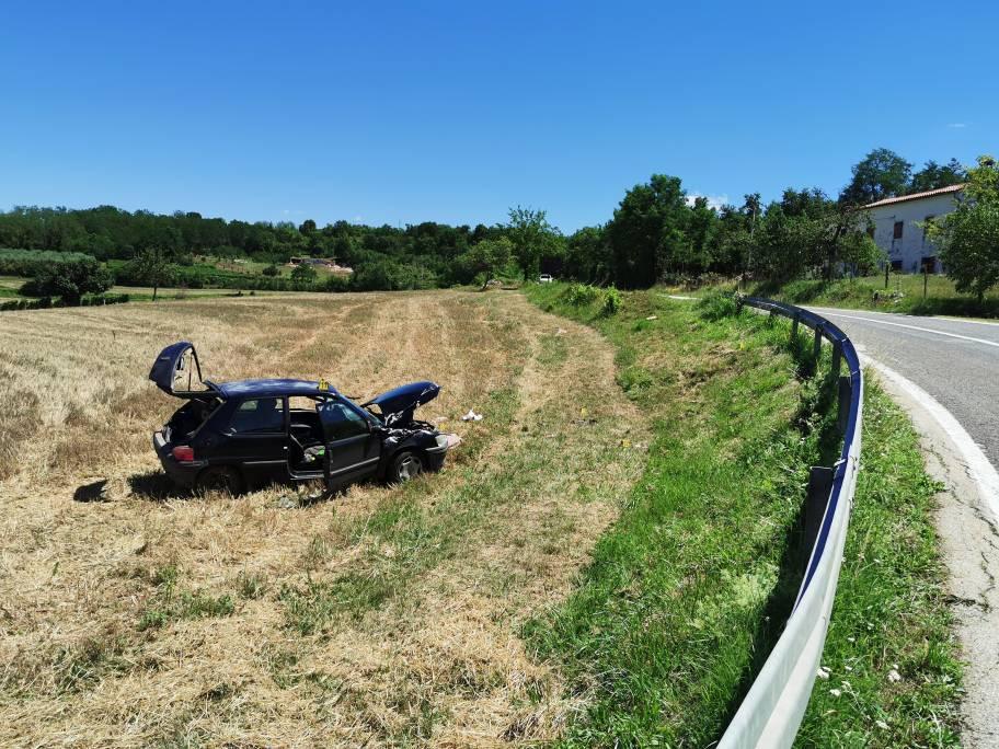 Nova teška nesreća: Vozač (58) izletio s ceste u Istri i poginuo