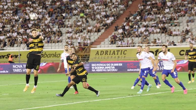 Hajduk je skuplji i veći je favorit od Osijeka i Rijeke, ali gubi u derbijima i Bjelici je 'mušterija'