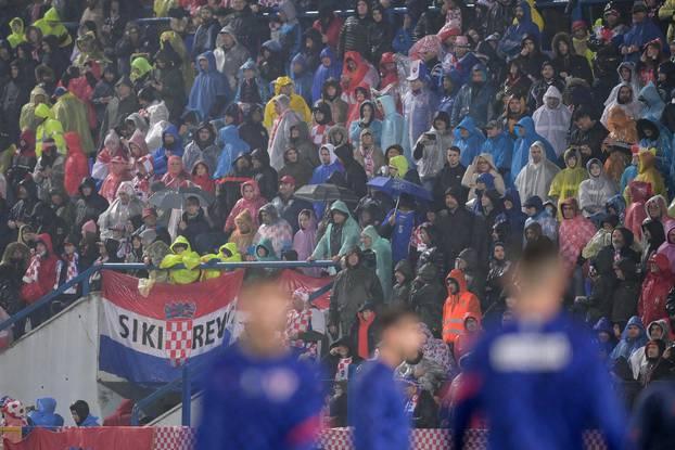 Osijek: Navijači na kvalifikacijskoj utakmici za Svjetsko prvenstvo, Hrvatska - Slovačka