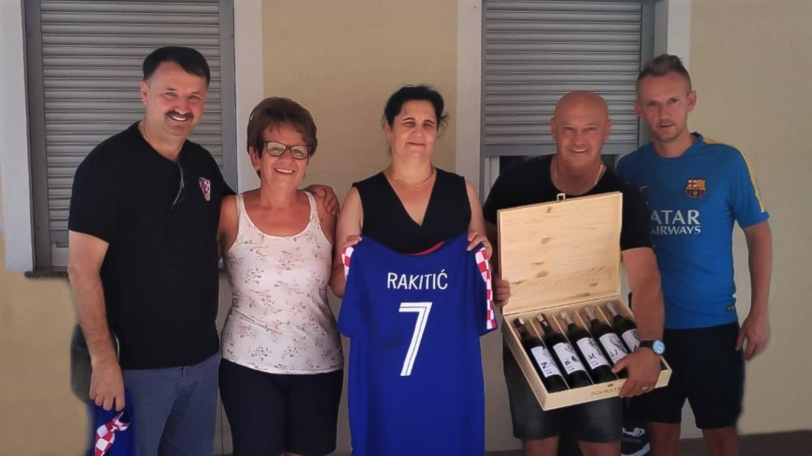 Vinarija časti Raketu! U znak zahvale poklonili mu - vinograd