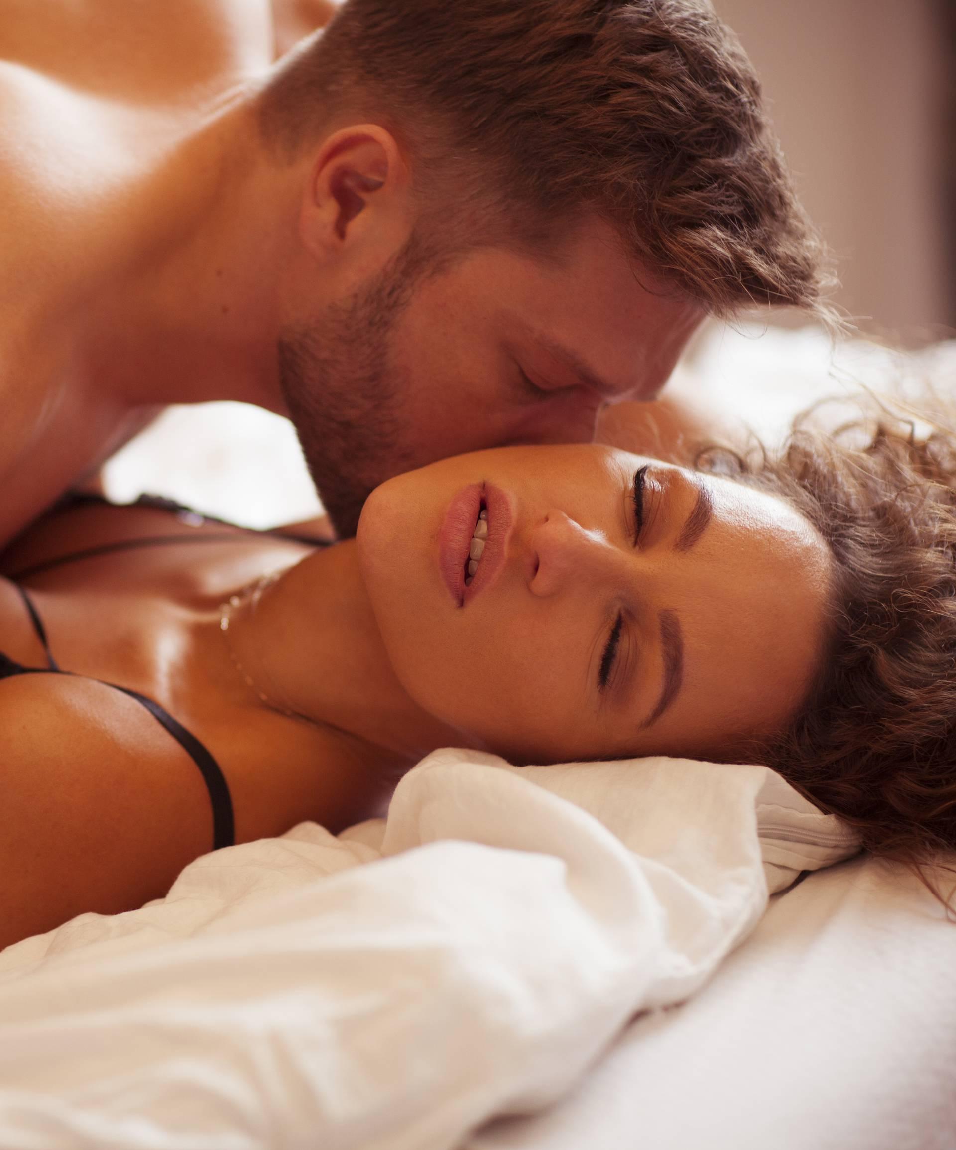 Top šest seks poza kojima ćete lako smanjiti stres i tjeskobu