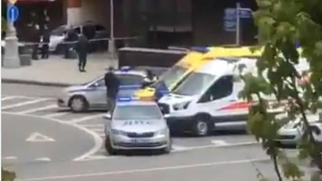 Policija okružila područje: U banci je zarobio šestero ljudi