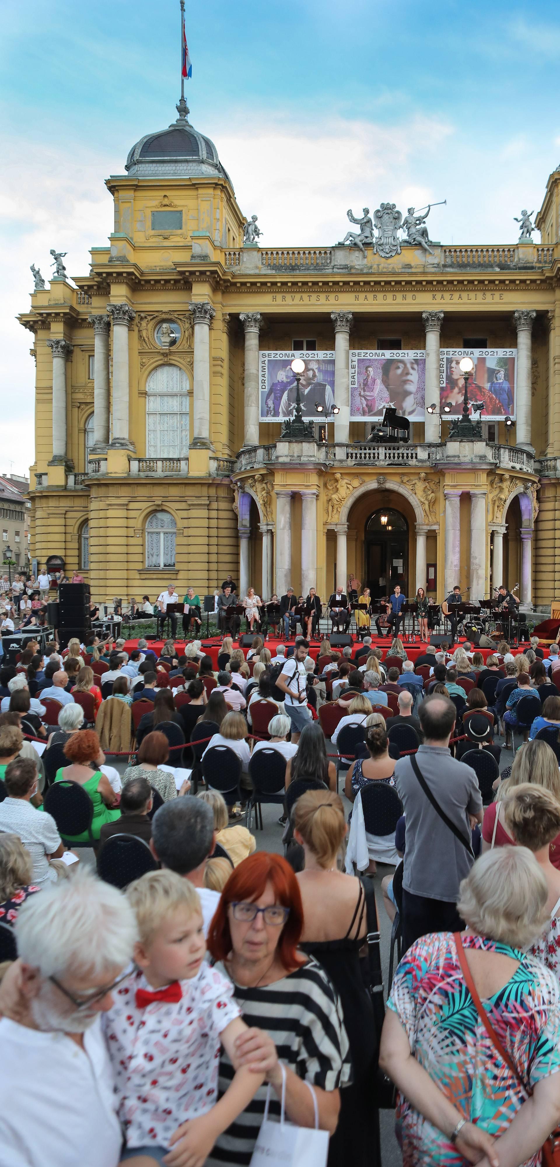 Zagreb: Na pozornici ispred HNK održana večer Arsenal ljetne noći