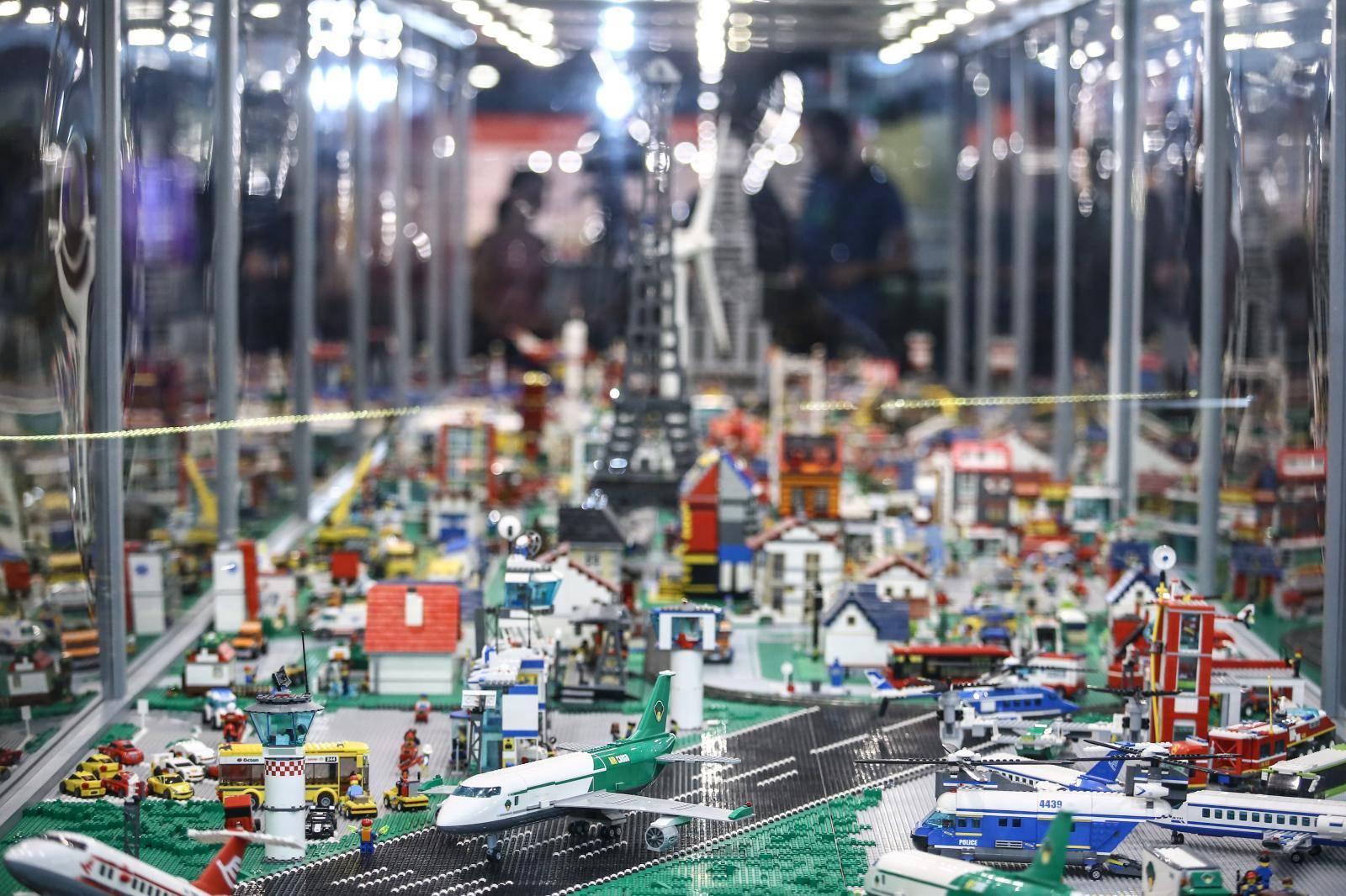 Zagreb: Najveća putujuća izložba modala od lego kocaka na Zagrebačkom velesajmu