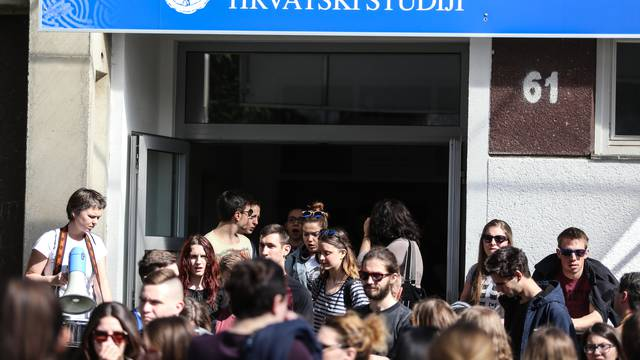 Hrvatski studiji dobili status fakulteta, Pavo Barišić dekan