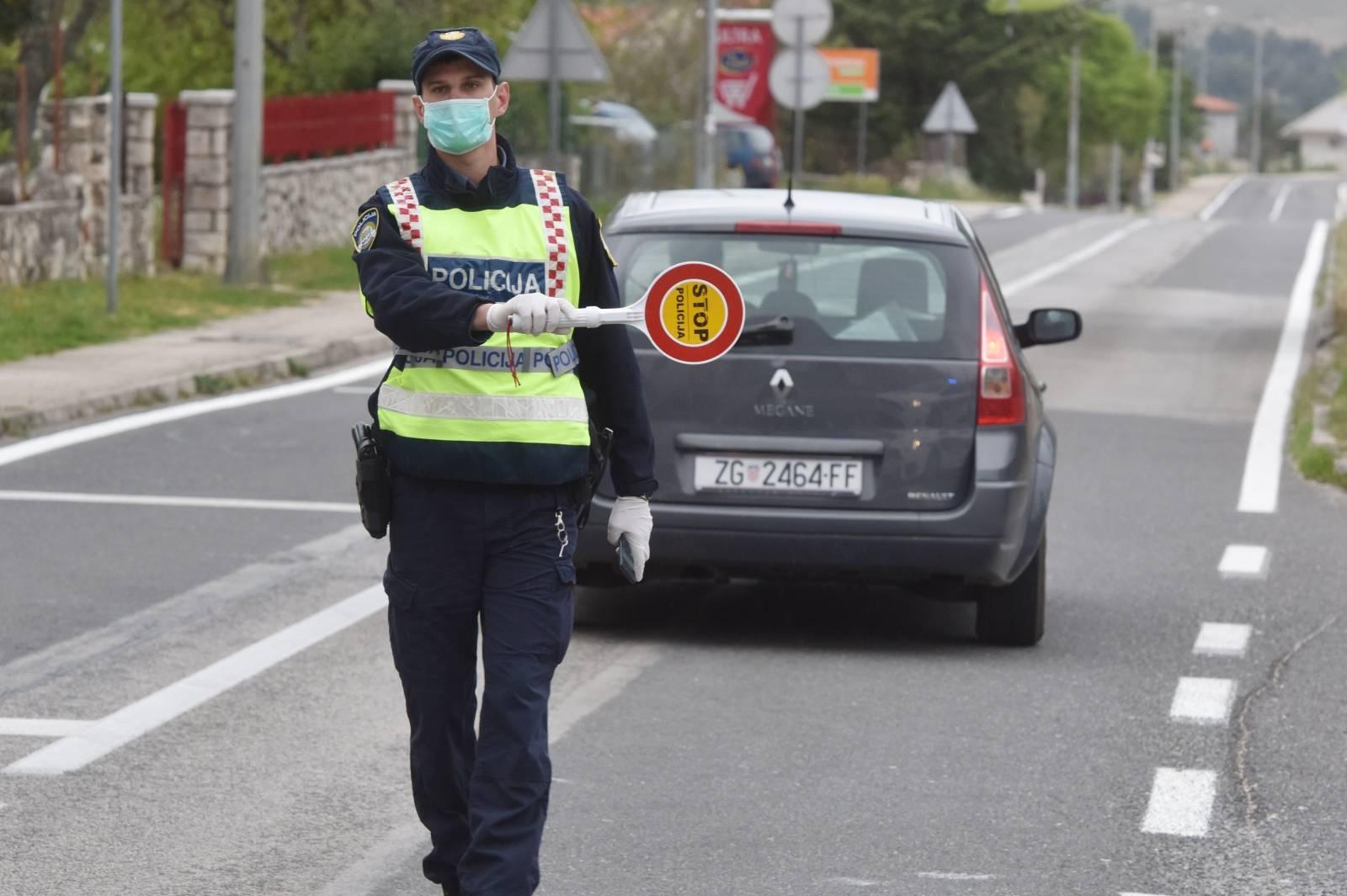 Policijska uprava Šibensko-kninska postavila nove punktove za kontrolu propusnica