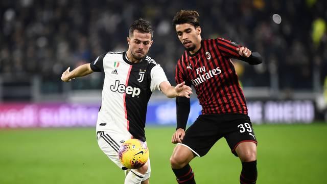 Serie A - Juventus v AC Milan