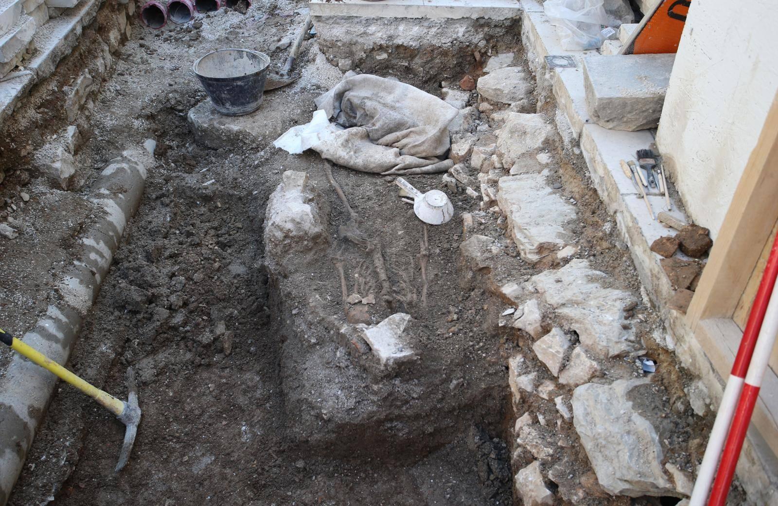 Split: Na arheološkim iskopima na Pjaci pronađen kostur star 900 godina