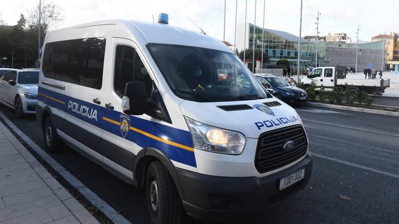 Incident u Španskom: Policija rastjerala gužvu, organizatore prijavila za širenje zaraze