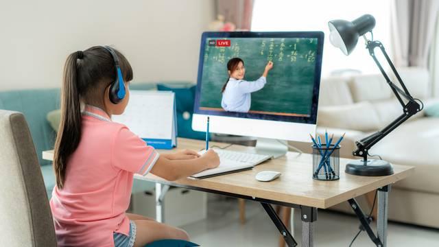 Čak 12% obitelji u Hrvatskoj nema dovoljno dobru opremu za online nastavu svoje djece