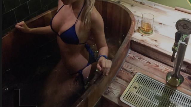 Raj za pivopije: 'Pivski spa' nudi kupanje u kadi punoj piva